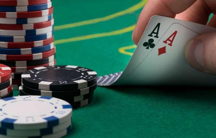 Règles du poker : comment faire une partie ?